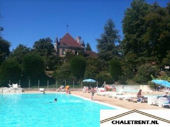 Camping Le Verdoyer in Champs Romain