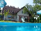 Attraktives Ferienhaus mit Pool in Siofok
