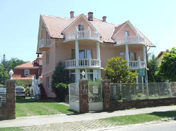 Ferienhaus mit Pool in Balatonlelle in Balatonlelle