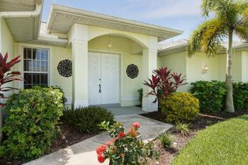 Villa Palm Tree in Cape Coral