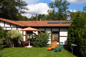 Bungalow mit Boot in Seedorf am See in Seedorf (Basedow)
