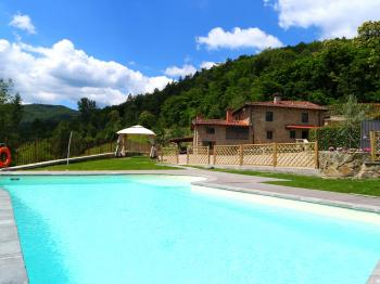 Toskana: Luxus - Villa mit Pool in Stia