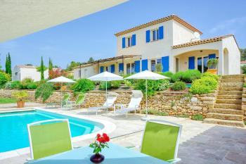 Ferienhaus mit Pool in der Provence in Pourrières