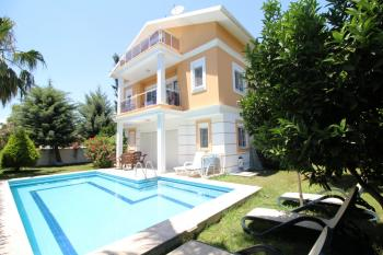 Villa in Belek mit Pool