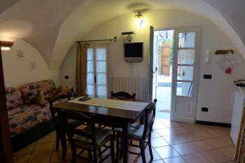 I 99 olivi - Holiday Cottage in Imperia Oneglia