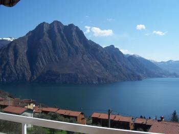Charming apartment with amazing lake and montain view