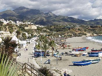 Modernes Apartement in Nerja, Burriana-Strand (Andalusien)