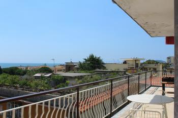 Large And Bright apartment, with sea view in the Formia city center