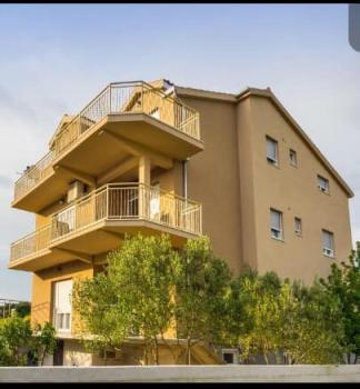 Apartment Frane mit Swimmingpool in Zadar